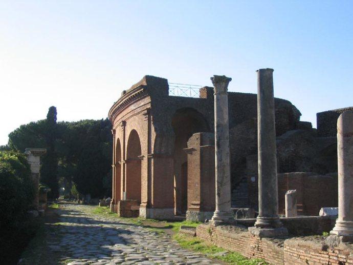 Ostia Antica Theater Exterior (Courtesy wikimedia commons)